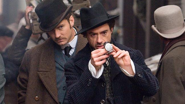 Jude Law e Robert Downey Jr. in Sherlock Holmes