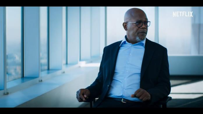 Samuel L. Jackson, nei panni di un giornalista, durante un'intervista