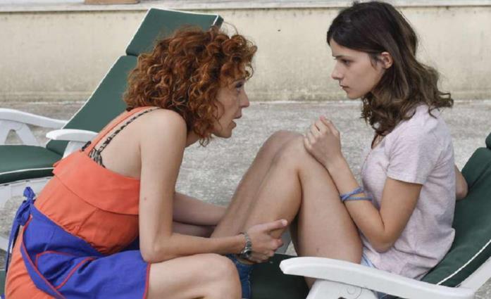 Alice Azzariti è Valentina, figlia di Imma