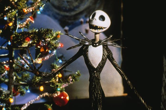 Jack Skeletron ammira l'albero di Natale in The Nightmare Before Christmas