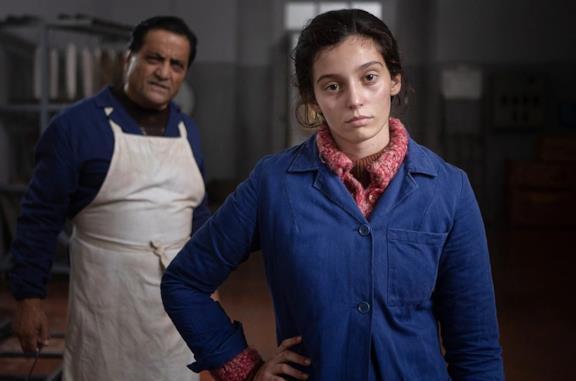 Gaia Girace in una scena dell'episodio La fata blu della serie L'amica geniale