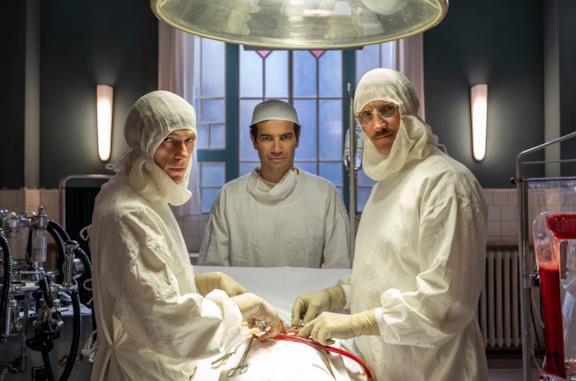 Una scena di Cuori con il dottor Corvara e il dottor Ferraris