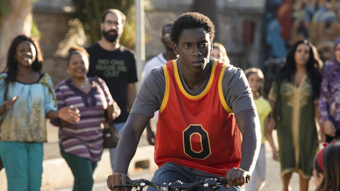 Zero: la serie originale italiana di Netflix sulla storia di un (super) eroe moderno e con una colonna sonora d'eccezione