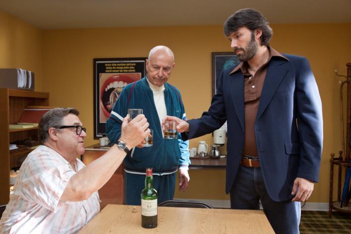 John Goodman, Alan Arkin e Ben Affleck in Argo