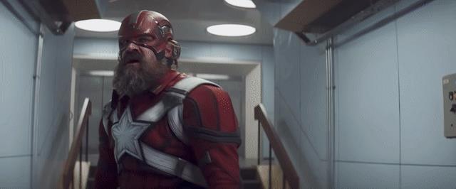 Lo scontro tra il Guardiano Rosso e Taskmaster nel film Black Widow