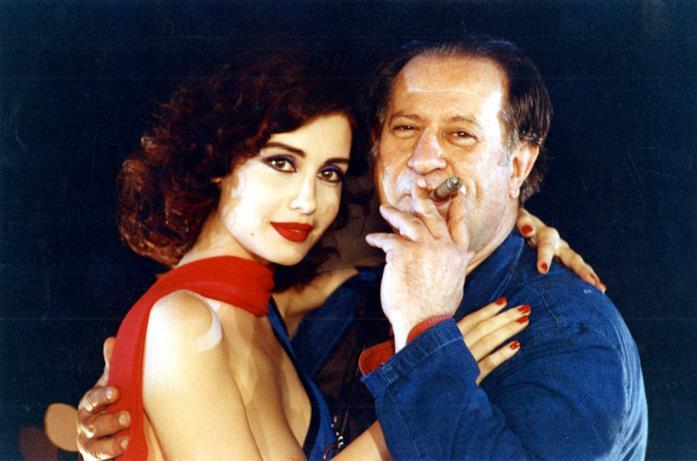 Tinto Brass e Claudia Koll sul set di Così Fan Tutte
