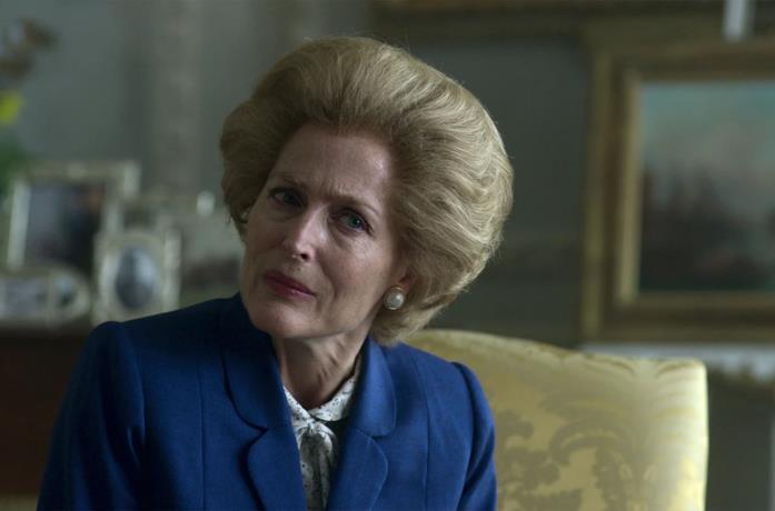 Gillian Anderson in una scena di The Crown
