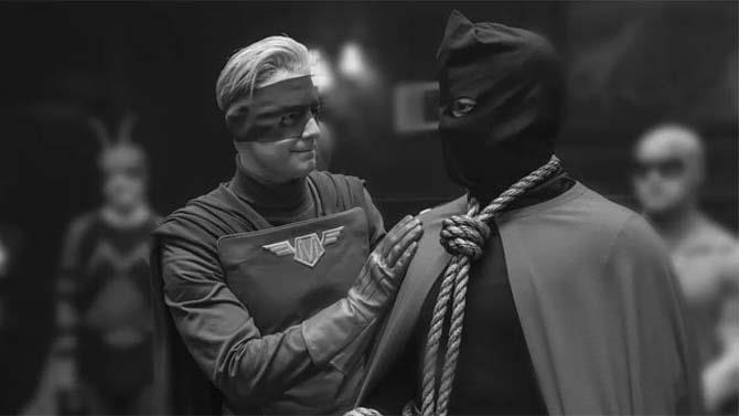 Un'immagine di Giustizia Mascherata e Capitan Metropolis