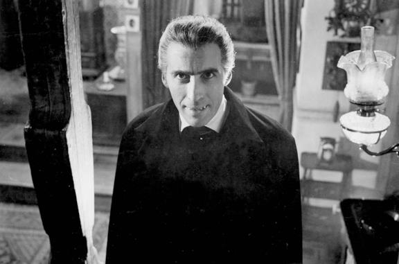 Christopher Lee nei panni di Dracula