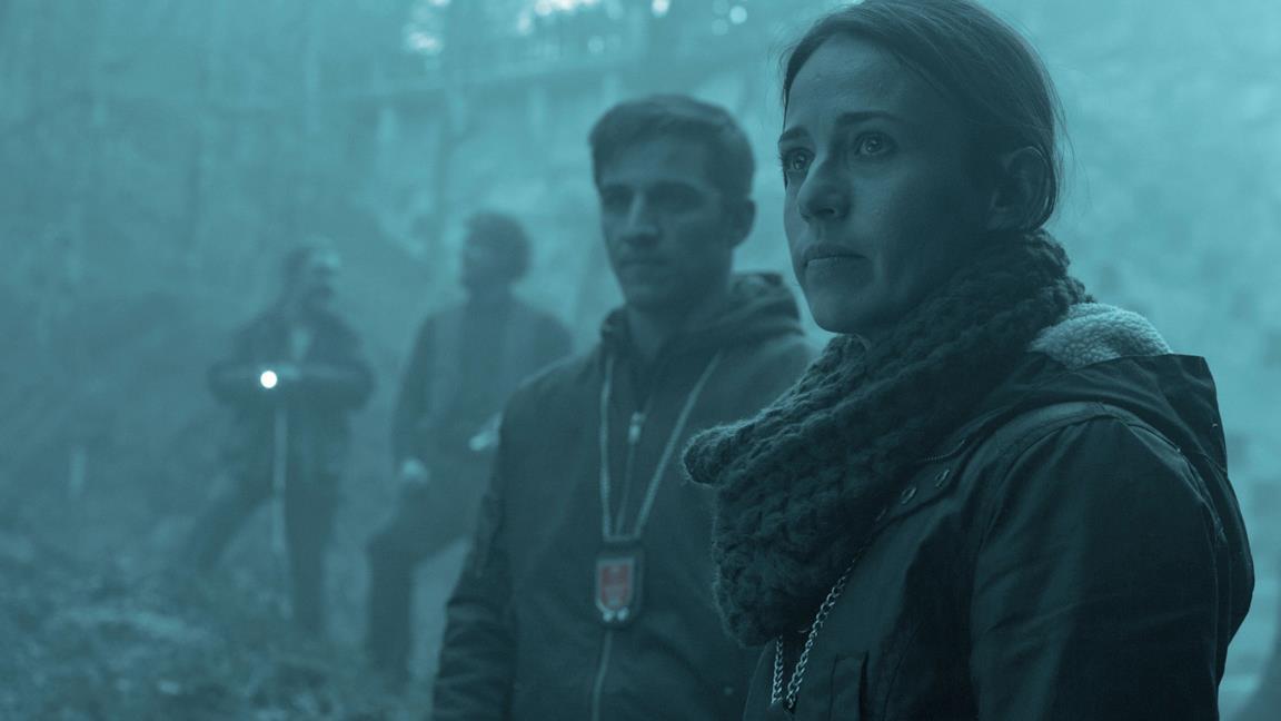 Marta Etura è la detective Amaia Salazar in Offerta alla tormenta