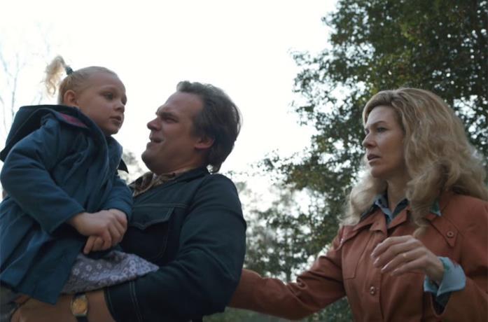 La famiglia Hopper con la piccola Sara