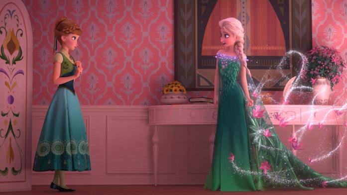Un'immagine con Anna e Elsa protagoniste di Frozen Fever