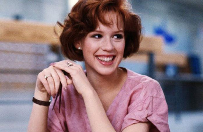 Molly Ringwald in una scena dal film The Breakfast Club