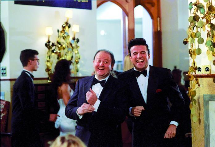 De Sica e Boldi in una scena del film