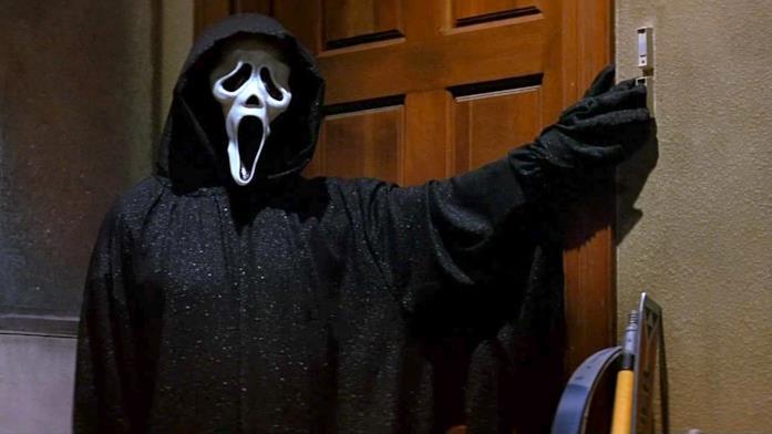 Il killer Ghostface in Scream