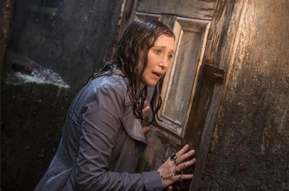 Un'immagine di Vera Farmiga in The Conjuring