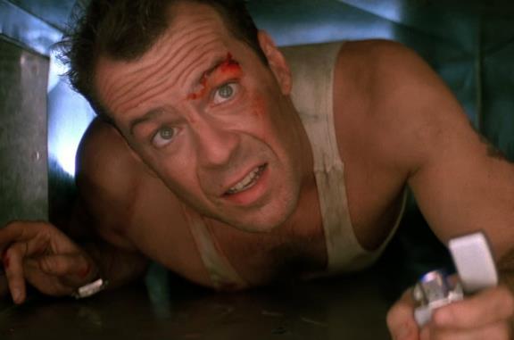 Un primo piano di Bruce Willis in Trappola di Cristallo