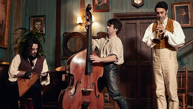 I protagonisti del film What We Do in the Shadows