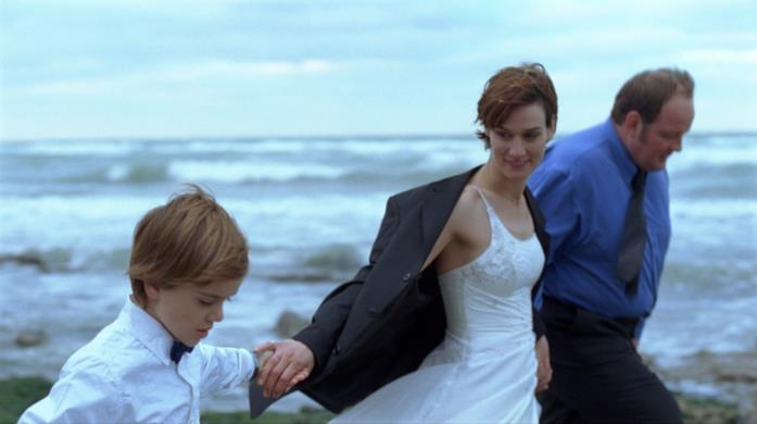 Clotilde Hesme e Grégory Gadebois in una scena del film Angèle e Tony