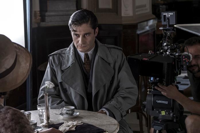 Lino Guanciale è il protagonista de Il Commissario Ricciardi
