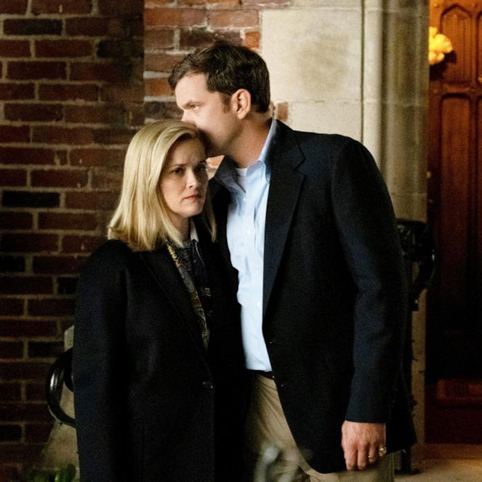 Primo piano di Reese Witherspoon e Joshua Jackson