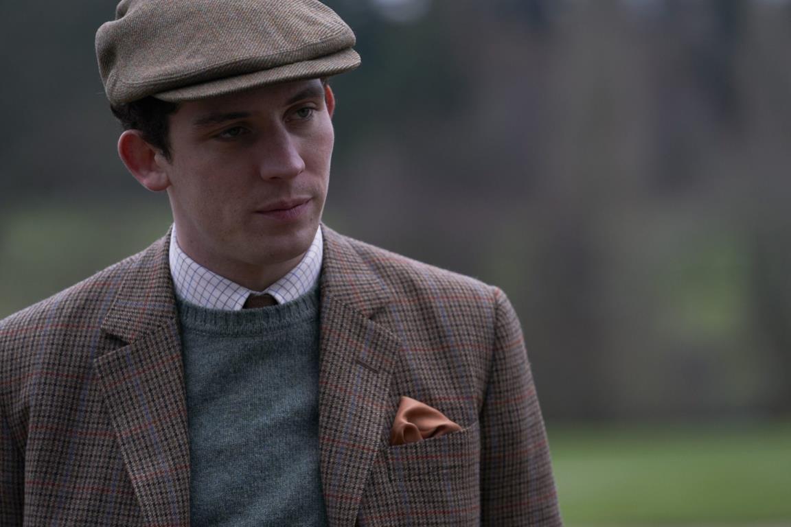 Un'immagine che ritrae Josh O'Connor nei panni del Principe Carlo in una scena di The Crown