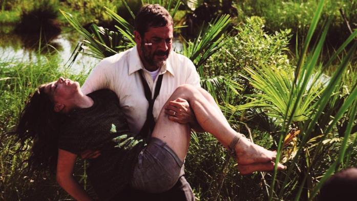 Brian corre tra i campi per portare in salvo la piccola Anne, viva per miracolo