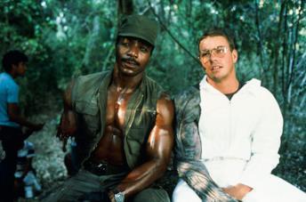 Carl Weathers e Jean-Claude Van Damme sul set di Predator