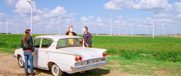 Blanche Gardin, Denis Podalydès e Corinne Masiero in una scena del film Imprevisti digitali
