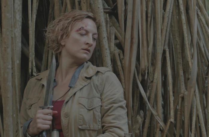 Zoë Bell in una scena del film Fuga nella giungla
