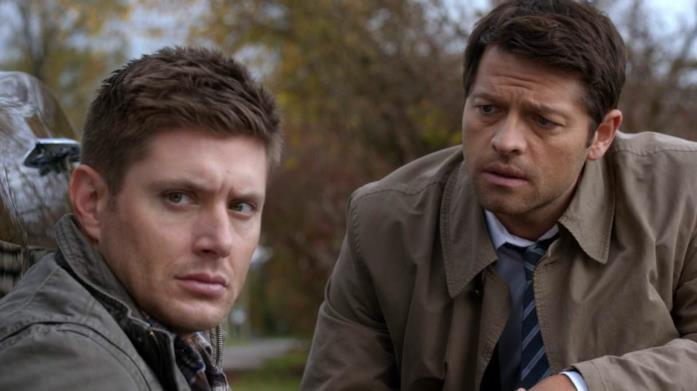 Una scena di Supernatural con Dean e Castiel