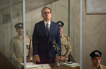 Ben Kingsley è Adolph Eichmann in una scena del film Operation Finale