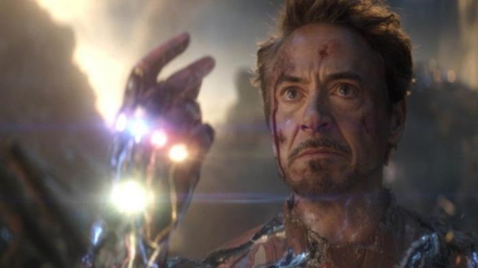 Tony Stark sta per schioccare le dita e usare le Gemme dell'Infinito per salvare l'universo in Avengers: Endgame