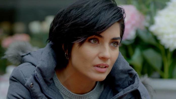 Tuba Büyüküstün è Sühan Korludağ, co-protagonista di Brave and Beautiful