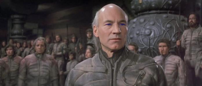 Patrick Stewart è Gurney Halleck in una scena di Dune (1984)