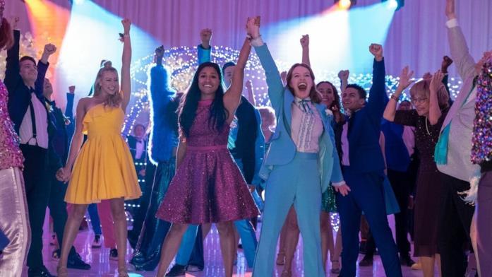 Il cast in una scena di The Prom
