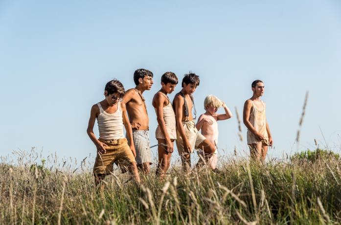 Il giovane cast del film La guerra dei cafoni