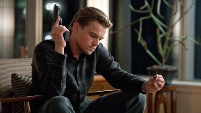 Leonardo DiCaprio interpreta Dominic Cobb