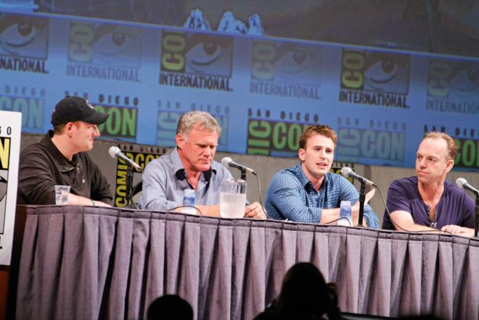 Kevin Feige, Joe Johnston, Chris Evans e Hugo Weaving nel 2010 al San Diego Comic-Con