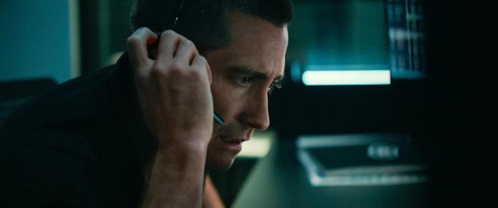 Un primo piano di Jake Gyllenhaal in una scena del film The Guilty