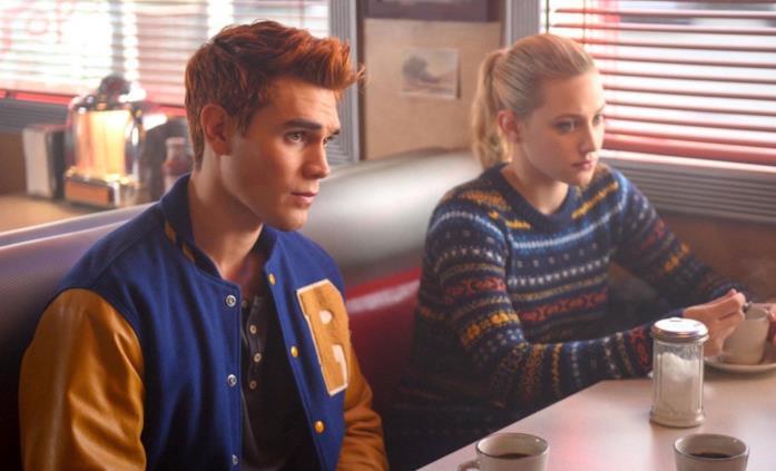 Archie e Betty in una scena di Riverdale