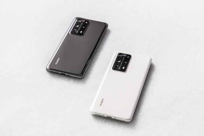 Huawei P40 Pro+ nelle varianti Ceramic Black e Ceramic White