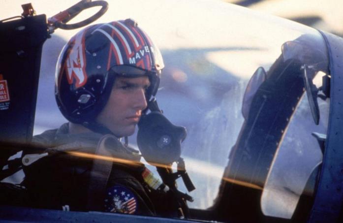 Tom Cruise nell'abitacolo di un F-14
