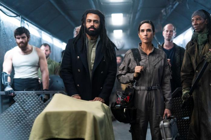Jennifer Connelly e Daveed Diggs in Snowpiercer