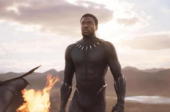 Un'immagine di Chadwick Boseman in Black Panther