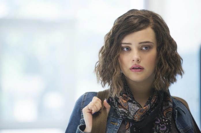 Un'immagine di Katherine Langford nella serie Tredici