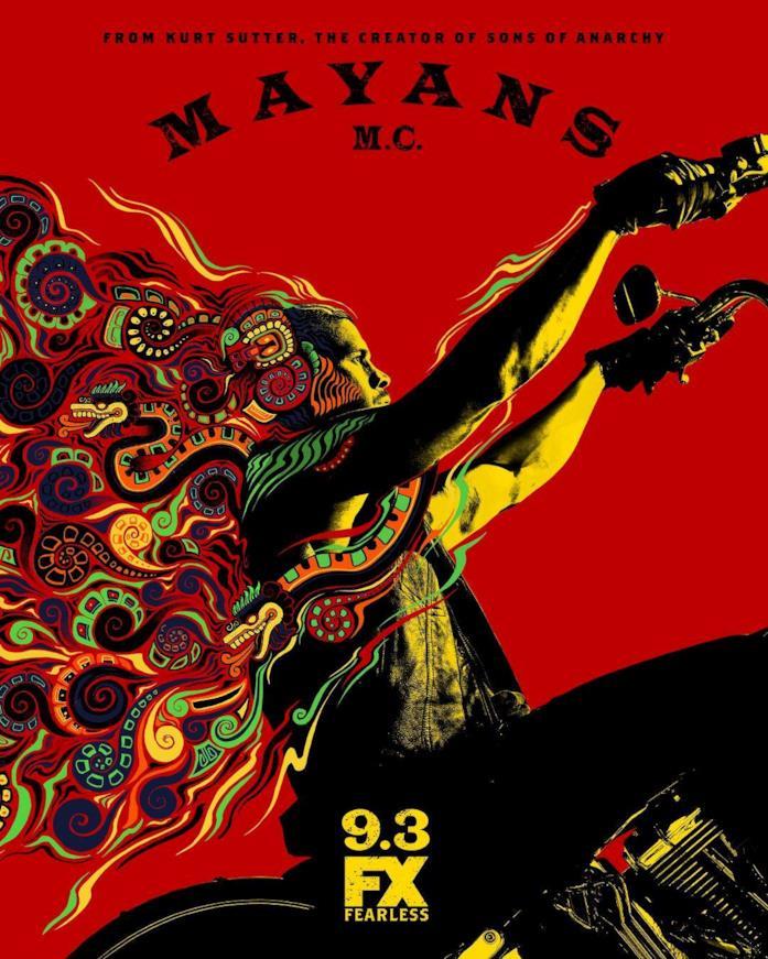 Ez in sella alla sua moto nel poster della seconda stagione di Mayans M.C.
