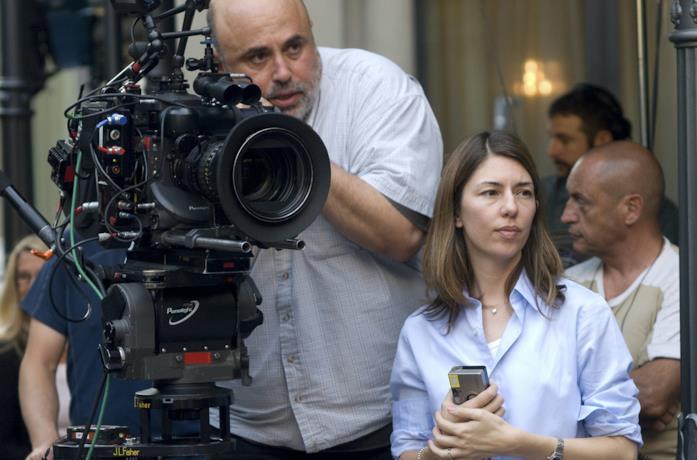 Sofia Coppola durante la regia di un film