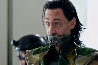 Sì: la scena iniziale di Loki è un po' diversa da quella vista in Avengers: Endgame