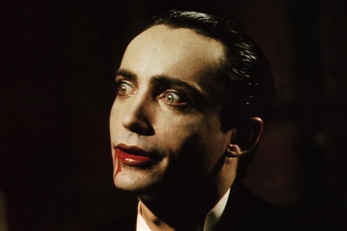 Udo Kier in una scena del film Blood for Dracula di Morrissey